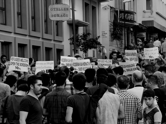 Public announcement and press conference on refugees in Turkey, [Basmane, Izmir, Turkey] (12.09.2015). Photo: Nicolas Parent.
